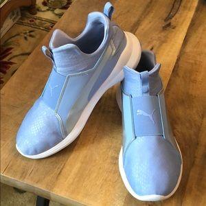 Puma Women's Cloud Foam Slip-On Sneaker Sz 9.5